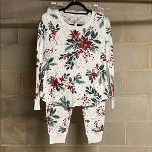 Gillian O'Malley Poinsettia PJ set
